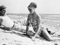 Photo ID - 8574, Year - 1954, Film Title - TOO BAD SHE'S BAD  (PECCATO CHE SIA UNA CANAGLIA), Director - ALESSANDRO BLASETTI, Studio - , Keywords - 1954, BATHING SUIT, BEACH, ALESSANDRO BLASETTI, CLOTHING, SOPHIA LOREN, MARCELLO MASTROIANNICredit - (c) SNAP Photo Library/GraziaNeri,